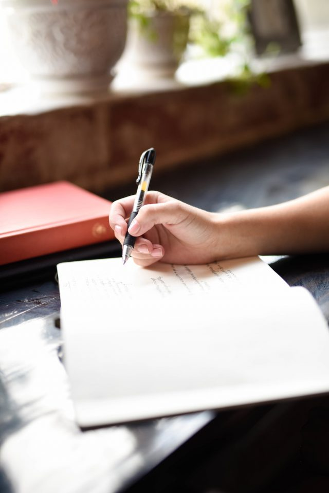 7 Things That Will Help You to Write Your First Book