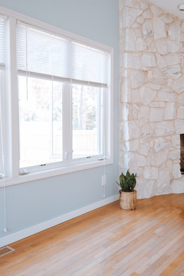 A Quick Guide to Explain the Difference Between Inside and Outside Mount Blinds