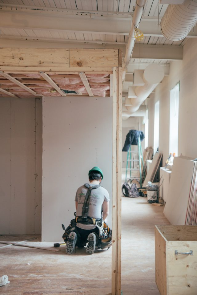 What New Home Owners Must Know Before Hiring Custom Home Builders
