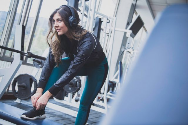 5 Tips For Creating The Perfect Home Gym // www.brokeandchic.com