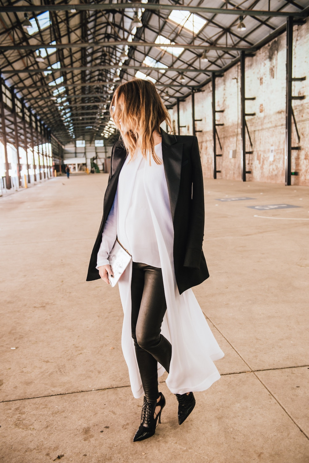 black and white outfit for fall