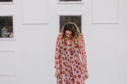 woman wearing a long sleeve dress