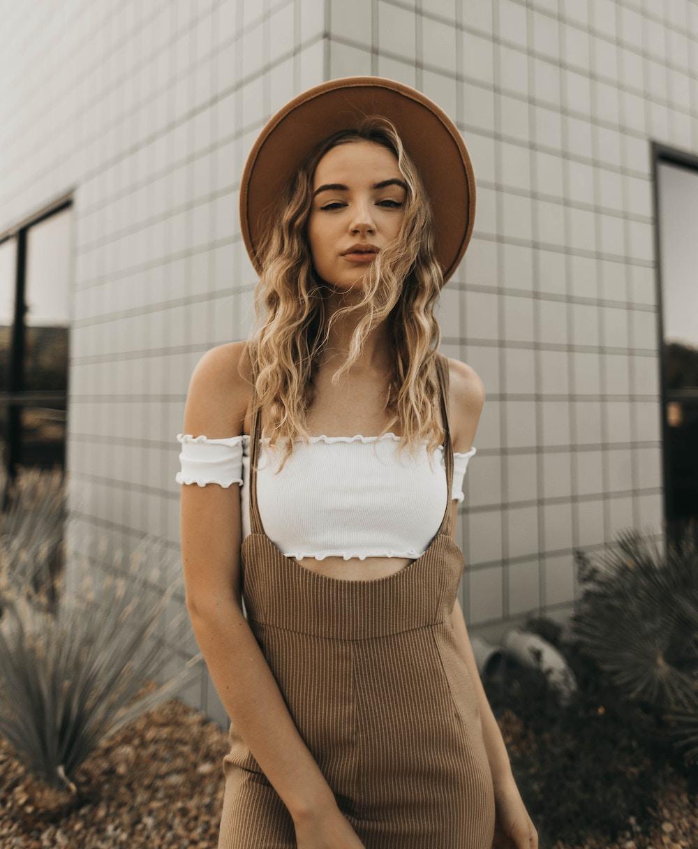 girl wearing a panama hat