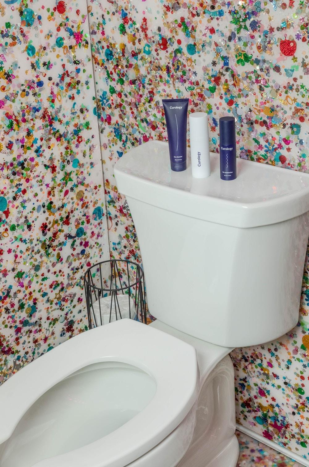 Sparkle bathroom wall