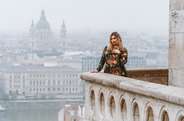 Amanda Raye Scozzafava Budapest street style