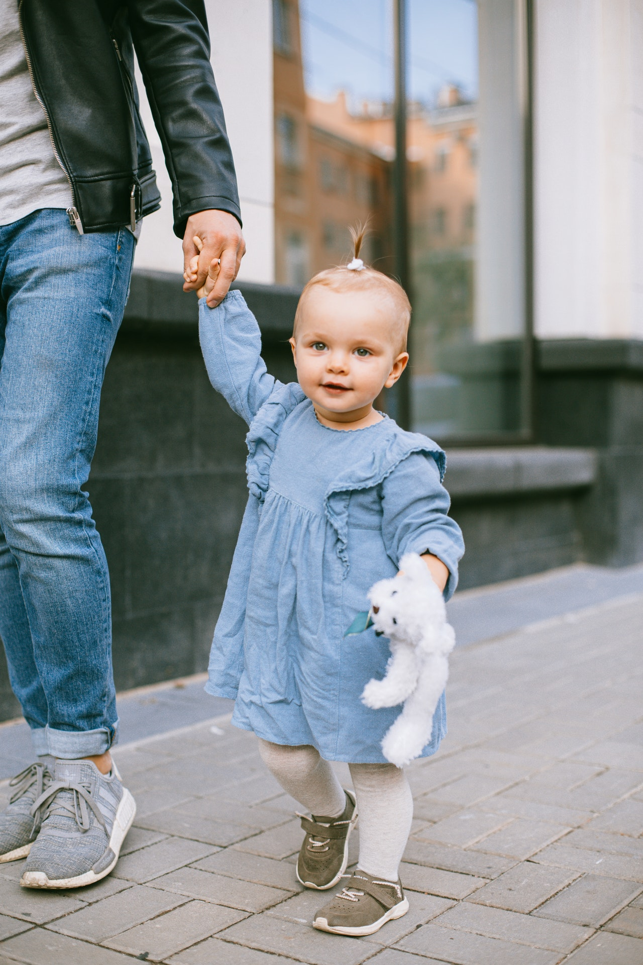 How to Shop for the Cutest Baby Girl Outfits