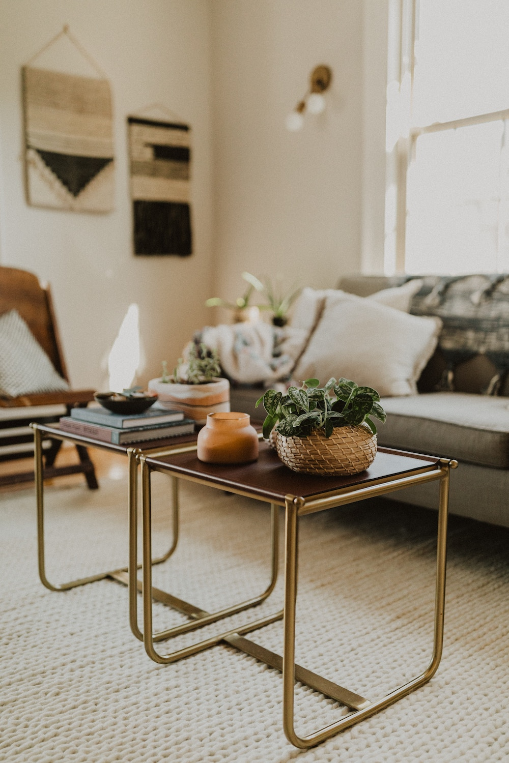 chic coffee table setup