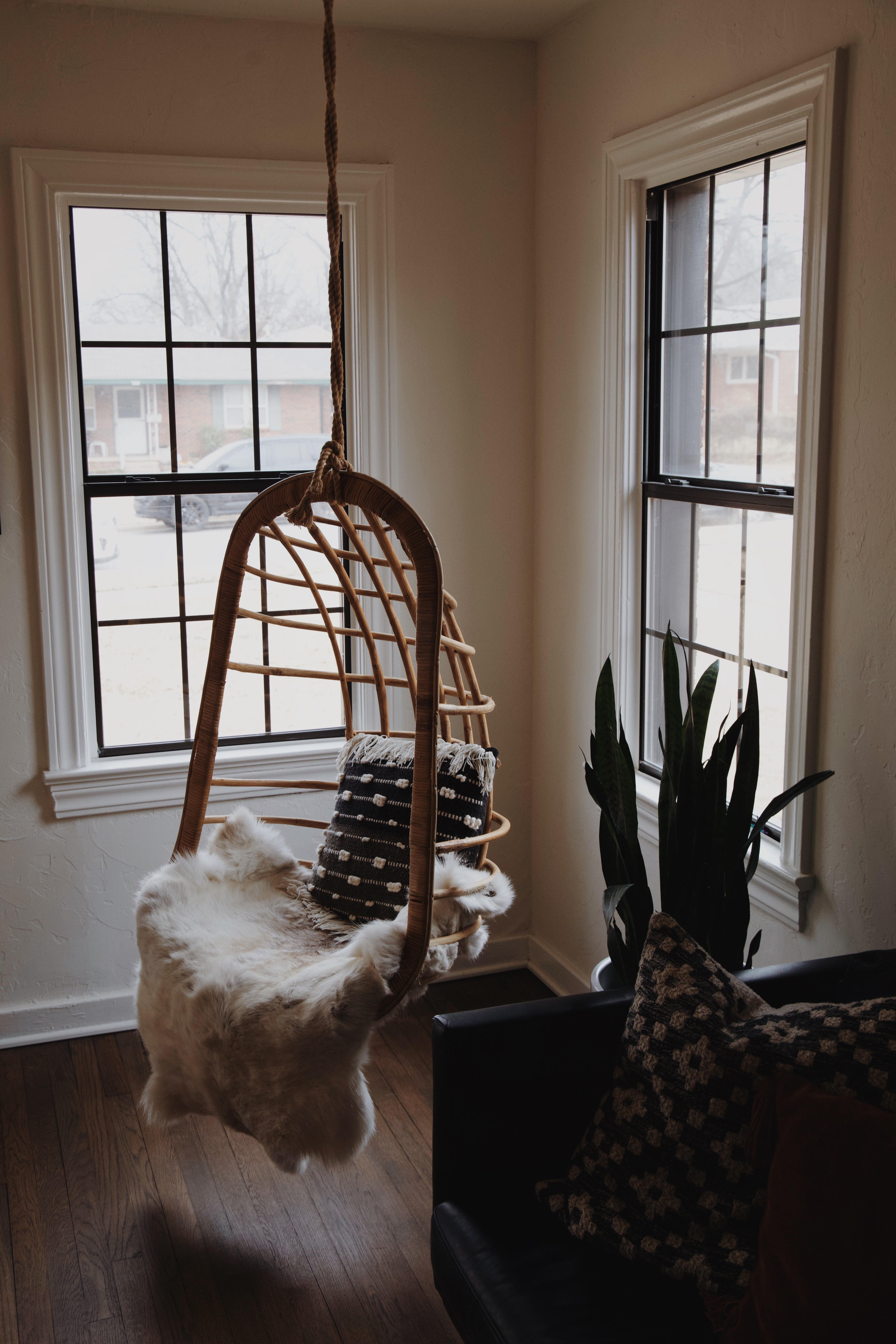 Hanging seat in home