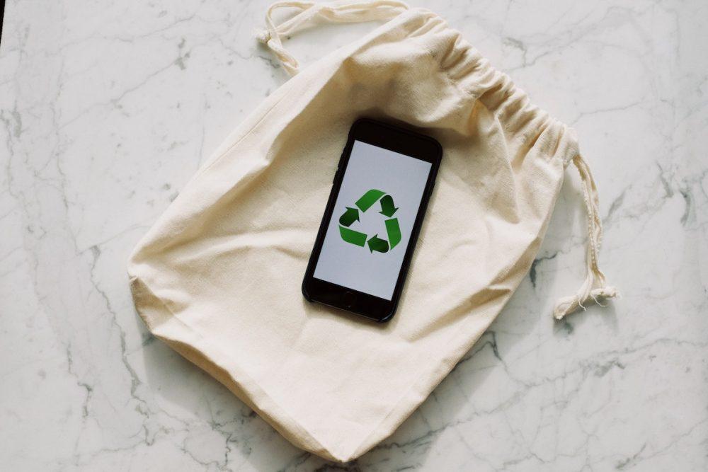 recycle symbol on reusable bag