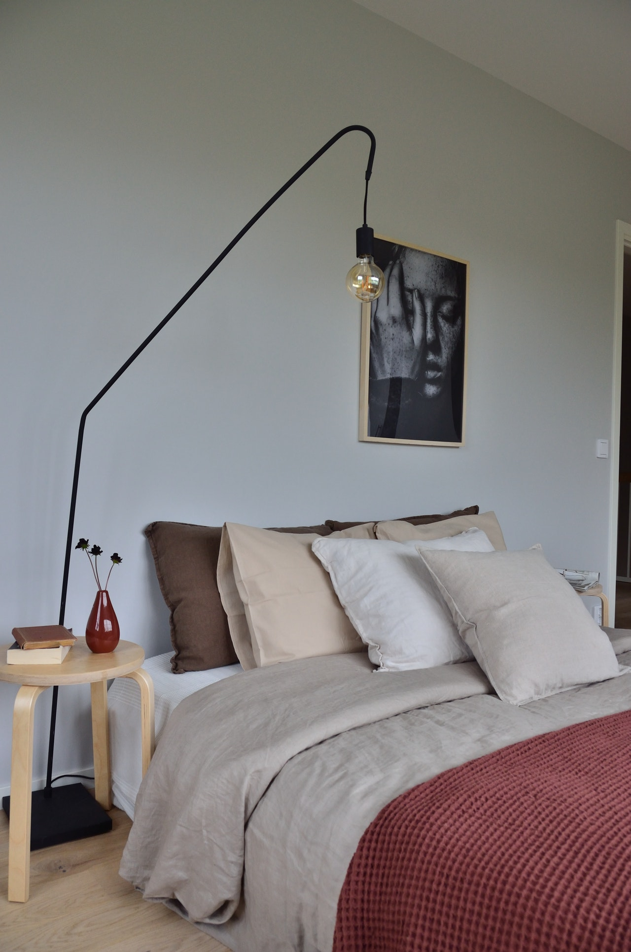 simple bedroom decor