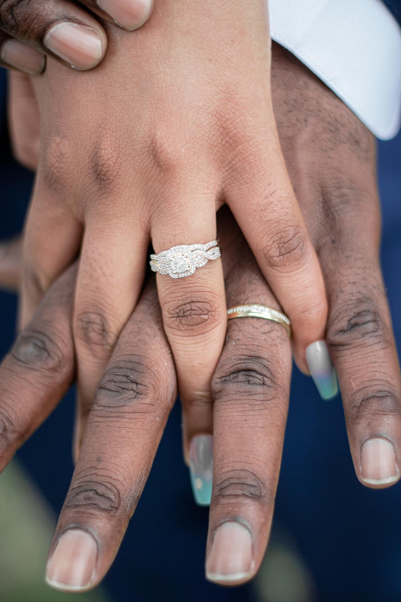 Pavé engagement Ring