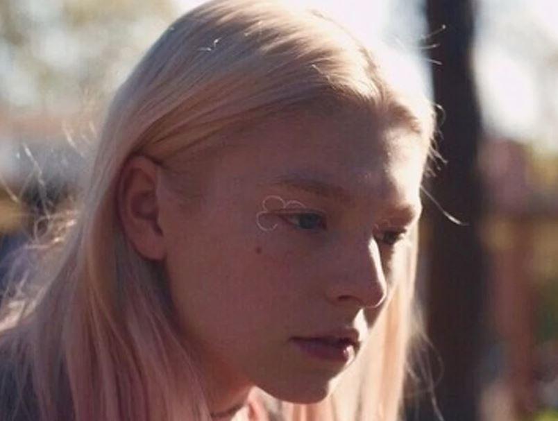 Jule's makeup look from Euphoria show