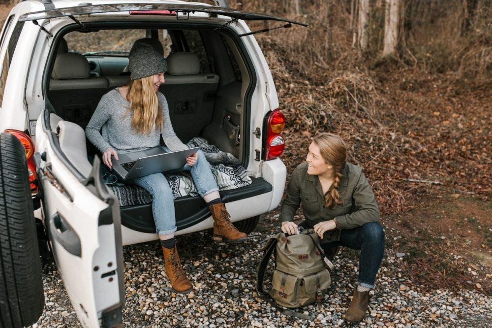 women on a roadtrip