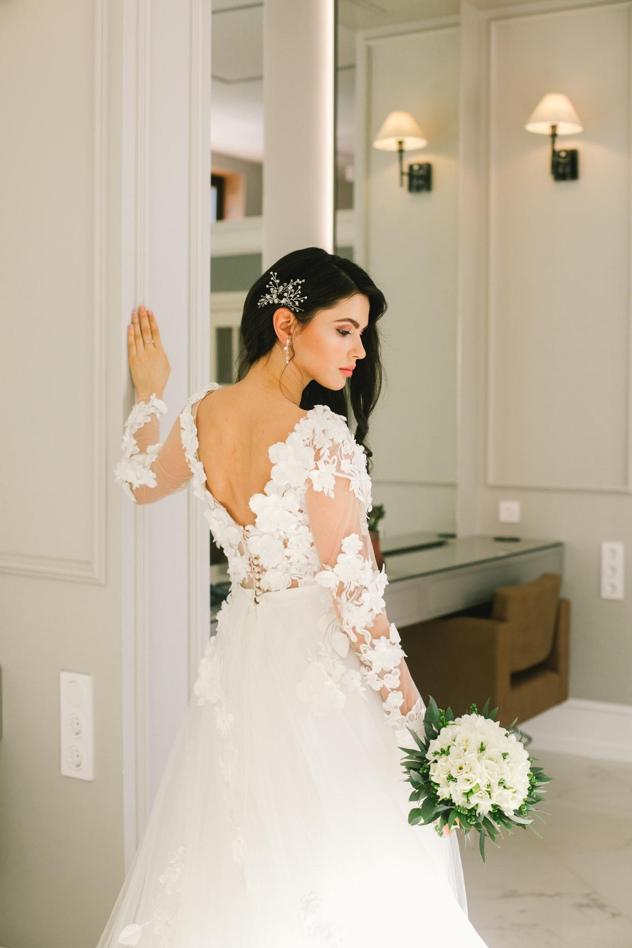 long sleeved wedding dress
