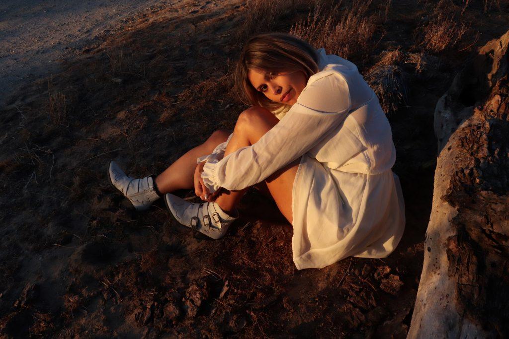 Golden hour boho photoshoot with Amanda Scozzafava. Christian Siguenza photography