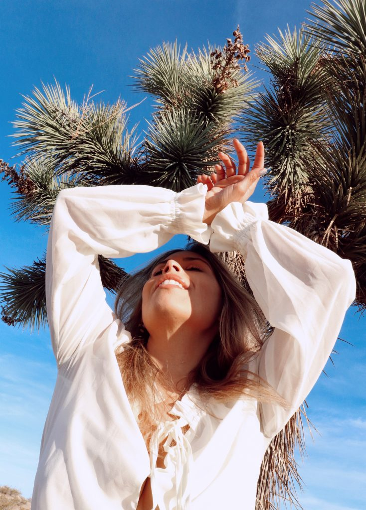Amanda Raye Scozzafava curve model and LA blogger. Joshua Tree, California photoshoot with Christian Siguenza.