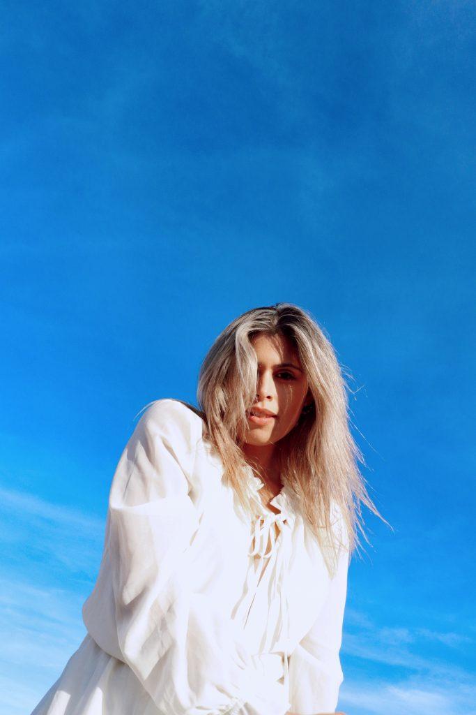 Desert photoshoot with Amanda Raye Scozzafava, plus-sized model and LA based blogger. Photo by Christian Siguenza.