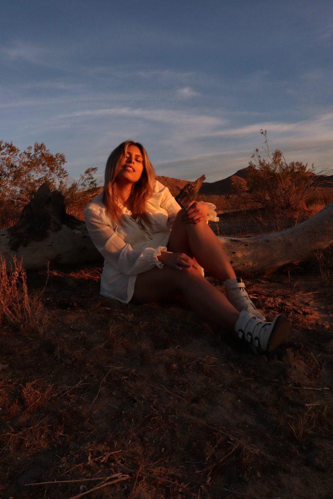 Golden hour desert photo shoot with Amanda Raye Scozzafava of Broke & Chic with LA based photographer, Christian Siguenza