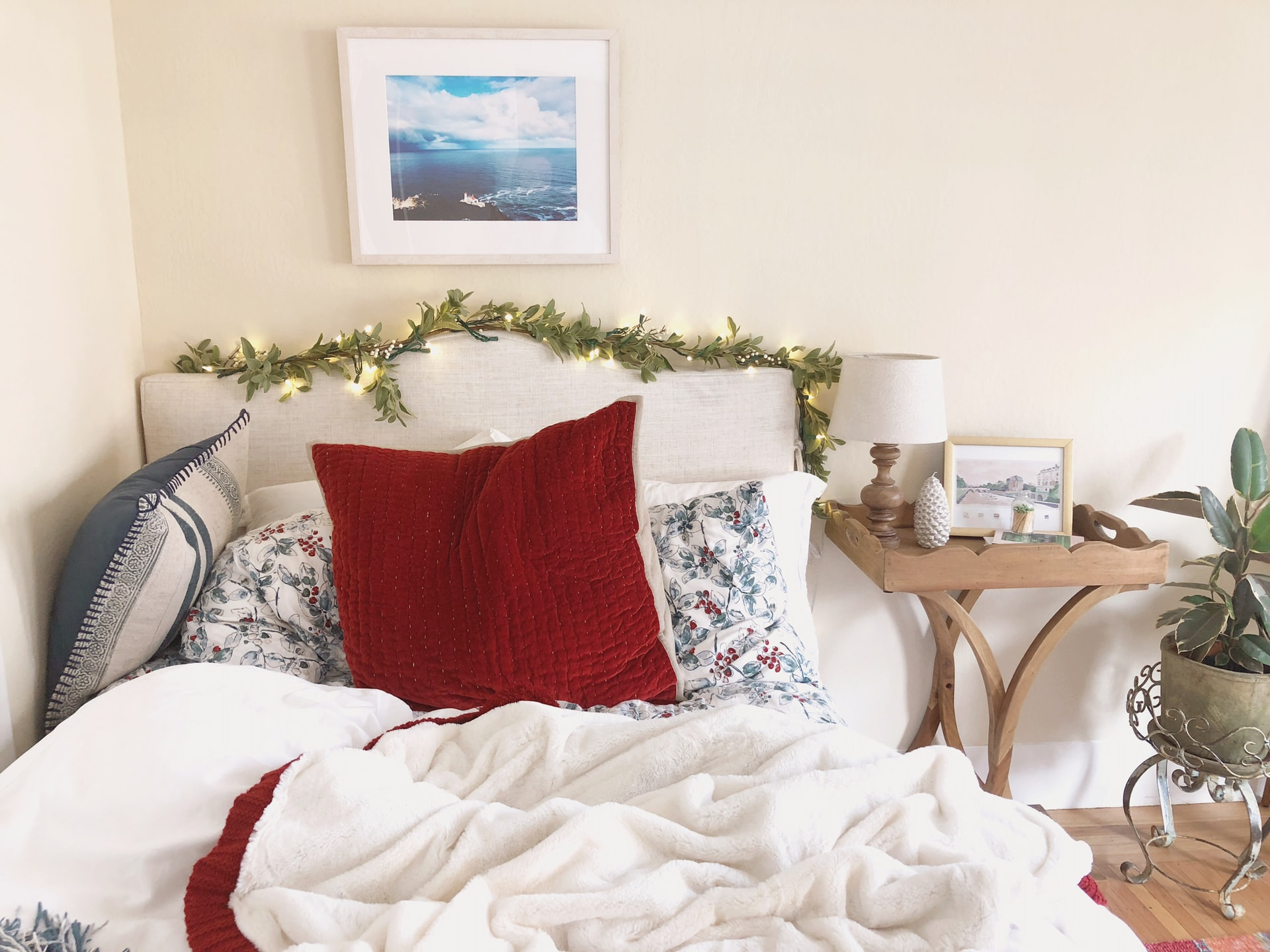 Country Aesthetic 5 Farmhouse Bedroom Decor Ideas You Ll Love Broke And Chicbroke And Chic