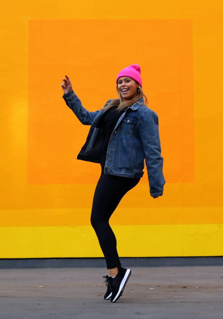 Model and blogger Amanda Raye in waterproof sneakers from Loom Footwear.